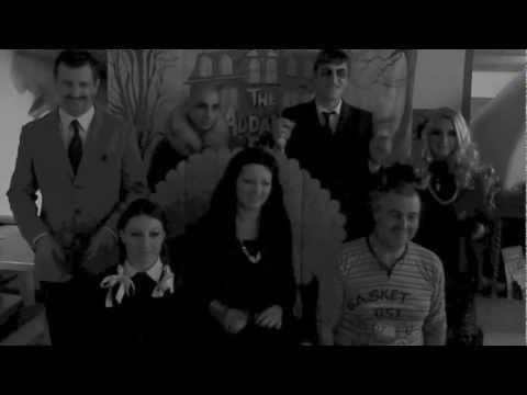 Carnevale 2013 al Residence-hotel Ambiez - Il nostro staff si è trasformato nella Famiglia Addams e ha regalato agli ospiti dei divertenti momenti di intrattenimento - Carnival 2013..our staff dressed up like the Addams Family and had a great and fun time with the guests of the Residence Ambiez in Madonna di Campiglio   http://www.residencehotel.it