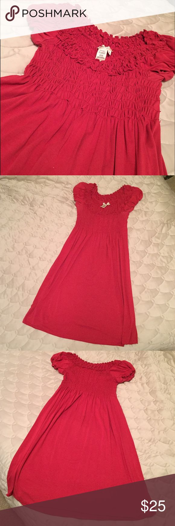 Sophie Max Dress This Sophie Max Dress is size small in a rosy pink color. It's soft and comfortable, and there are no defects. I just never wore it enough. Great for church or special events! Sophie Max Dresses Midi