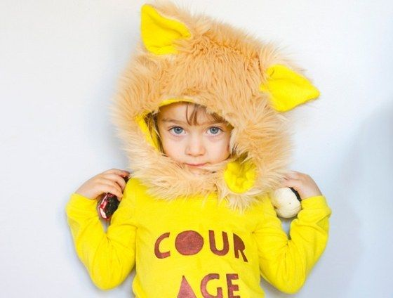 This very ferocious lion.   37 Cheap And Easy Sweatsuit Halloween Costumes