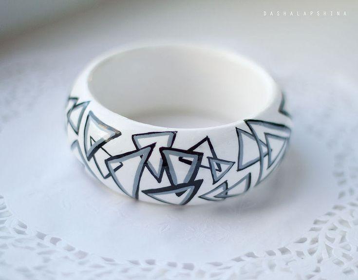 Купить Браслет с росписью Triangles - чёрно-белый, сочно, браслет с росписью, расписной браслет