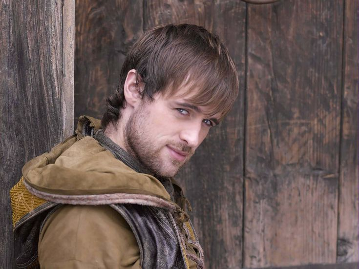 Jonas Armstrong got this roll because of his ability to smirk SO Robin Hood-ly. -Original Pinner.