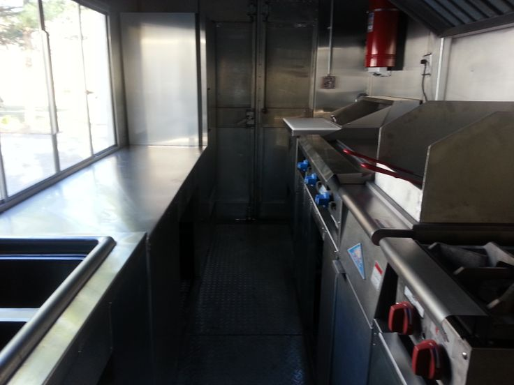 This Food Truck Features A 40lb Deep Fryer 4 Burner Oven