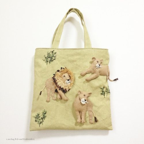 "Lion felt applique and embroidery by e.no.bag ""ライオン ノ バッグ "" #lion #animal…"