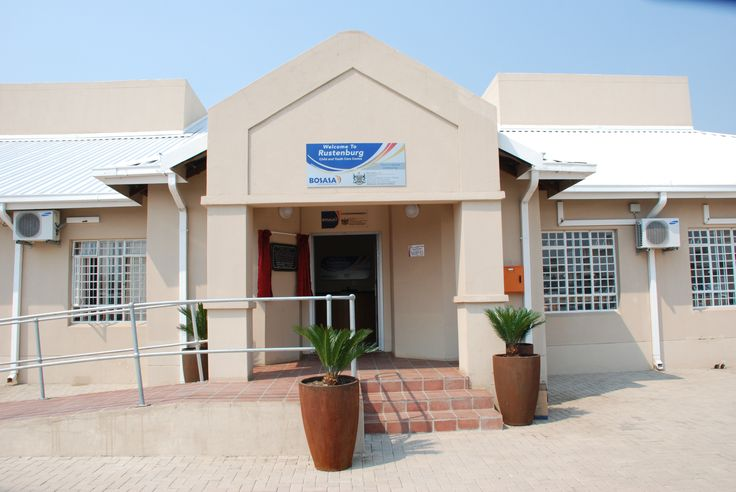 North West (Rustenburg) -This centre located in Rustenburg is managed in partnership with the Department of Social Development for the North West. This facility has a capacity of 60, consisting of both boys and girls aged between 14 and 17.