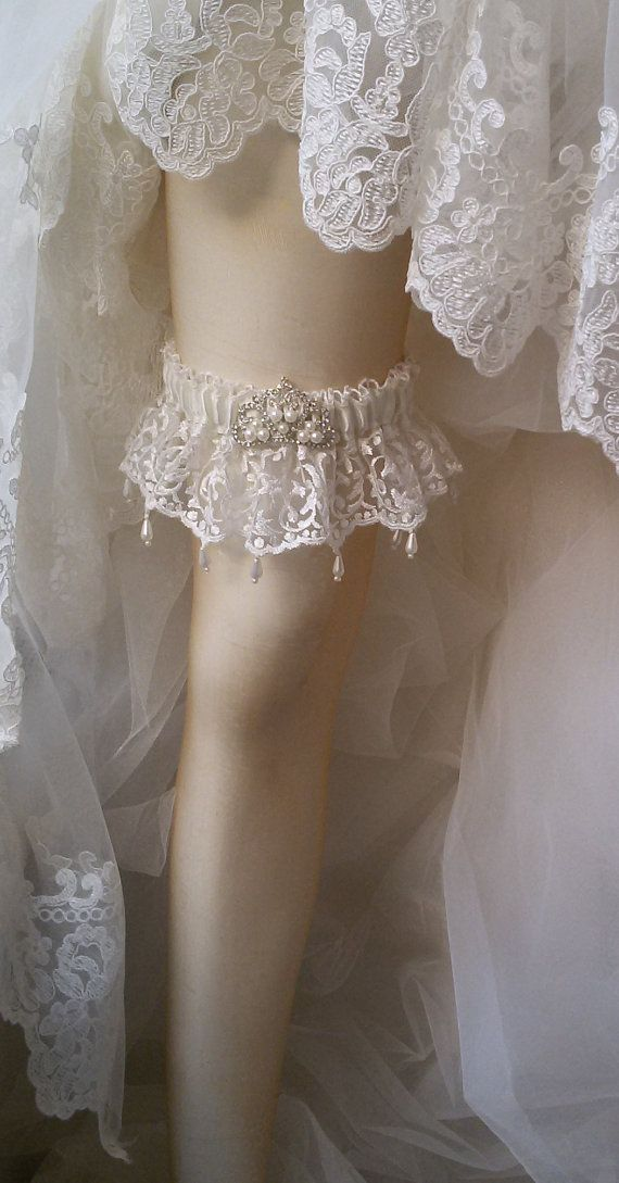 Wedding garterWedding leg garter Garter Bridal by UniqueCeremony