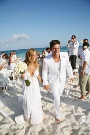 The White Wedding Encourage Everyone To Wear For An Easy Breeze Destination