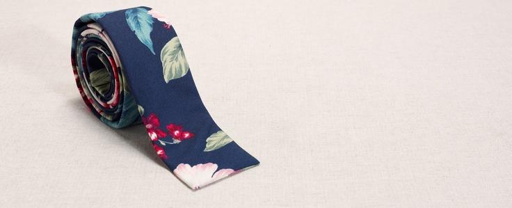 Fast Eddie Hawaiian print ties   Hibiscus navy   Dolbeau.ca: Men S Style, Hawaiian Print, Eddie Hawaiian, Fast Eddie, Print Ties, Hibiscus Navy