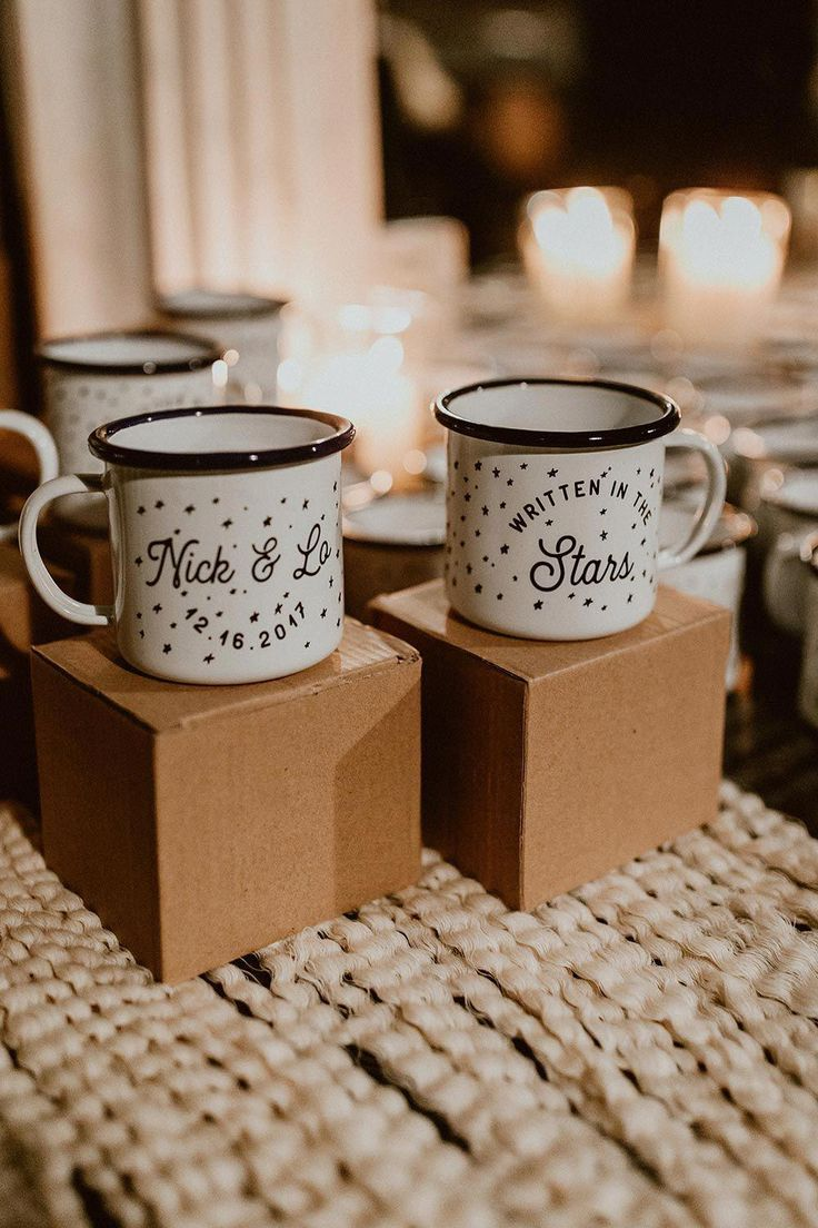 How to Use Wedding Favor Sayings to Personalize Your