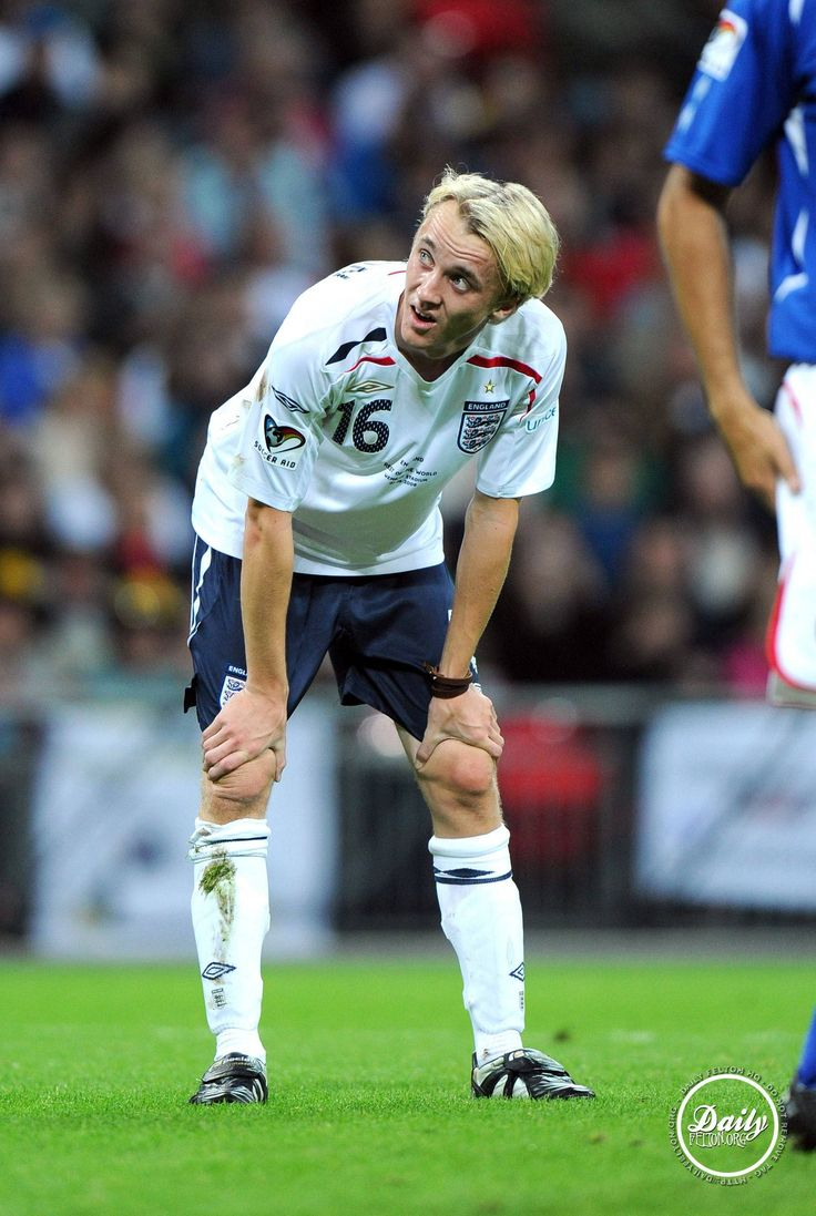 Tom Felton <<<< Tom Felton playing soccer. Bloody hell, he's perfect!