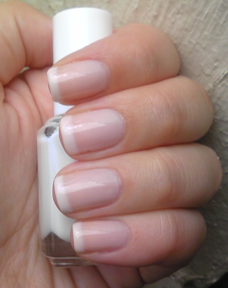 DIY FRENCH MANICURE :: 2 coats Essie Marshmallow on the tips w/ 2 coats Essie Vanity Fairest on top (CLICK to see her pic of Essie Big Dipper on top) | #polishorperish