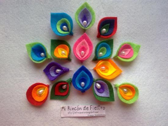 Alfileres para novia realizadas en fieltro con diferentes colores y teminaciones. Visítanos también en facebook: Mi Rincón de Fieltro-Fieltrolandia