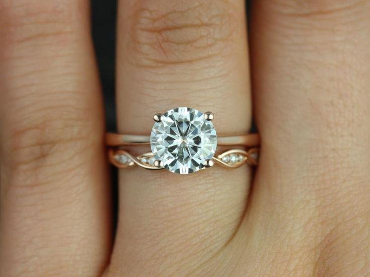 Rosados Box Skinny Flora 8mm & Ember Rose Gold Round FB Moissanite and Diamonds Wedding Set