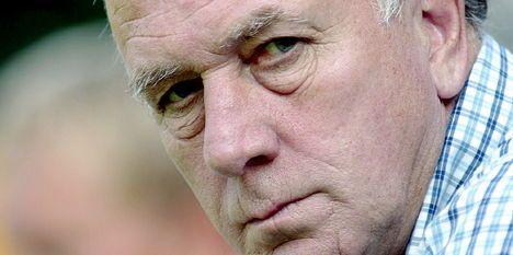 Riemer van der velde - Erevoorzitter. Nam sc Heerenveen onder zijn vleugels en liet de club groeien tot een stabiele subtopper met uitschieters. Zag Heerenveen Champions League spelen onder zijn bewind en was naast voorzitter ook meesterscout.
