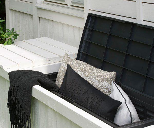 Bygg en snygg förvaring till utemöblernas stolsdynor!