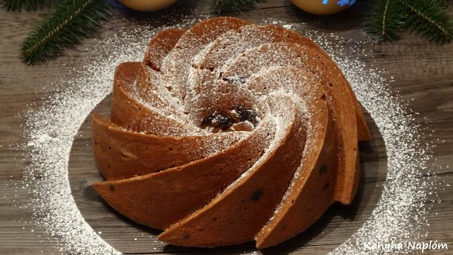 Konyha Naplóm: Kuglóf csokoládé darabokkal