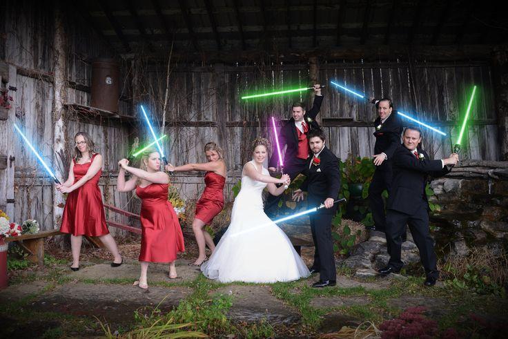 Le foto di nozze  più divertenti  del web scelte da Coi Fiocchi_wedding_lightsabers_starwars