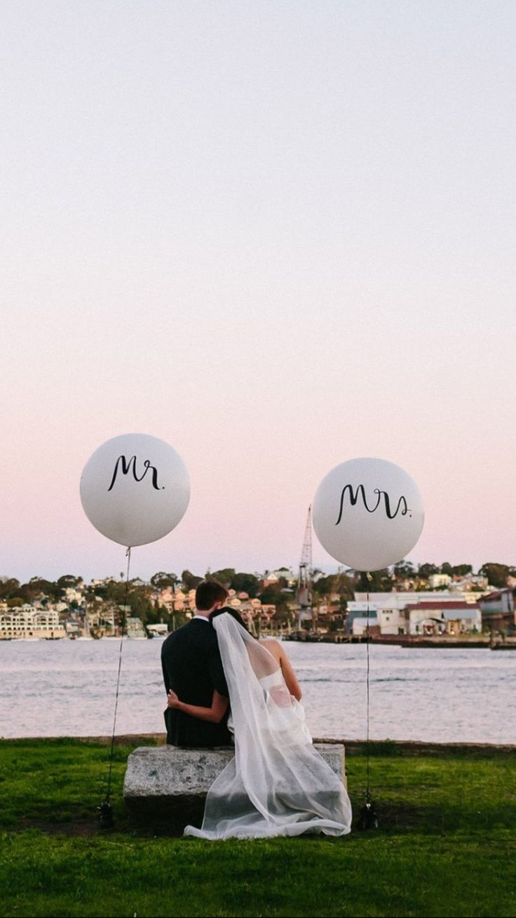Mr and Mrs balloons Sydney Wedding
