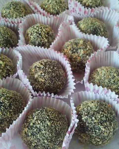 Συνταγή για τα πιο νόστιμα και εύκολα Σοκολατάκια μπισκότου με αμύγδαλο τριμμένο η φουντούκι…
