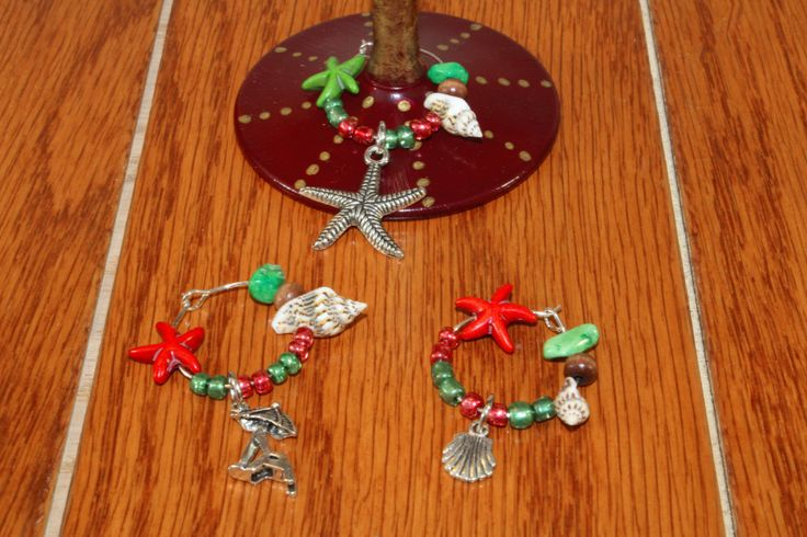 Christmas Beach Wine Charms, Christmas Starfish Wine Charms, Tropical Wine Charms.  Set of 4. by TropicalTLC on Etsy