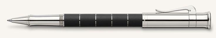 """Die Schreibgeräte der Serie Classic Anello bestechen durch faszinierende Kontraste und edle Materialien. Mehrere feine Ringe gliedern den Schaft. Daher der Name """"Anello"""", der auf Italienisch """"Ring"""" bedeutet."""