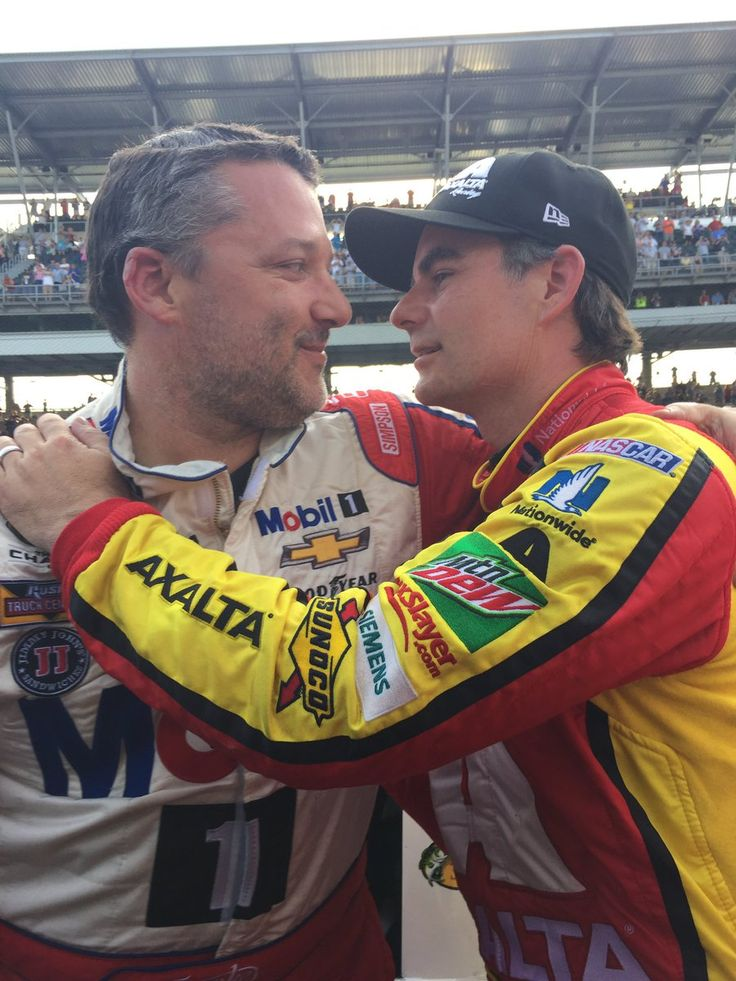 .@JeffGordonWeb and @TonyStewart share this moment after their final #Brickyard400