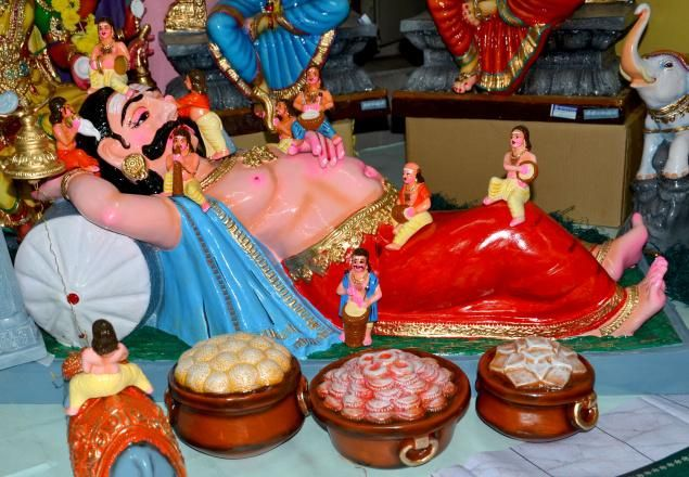Navratri golu - idea #4 - Depict a scene from a story like Ramayana. Can be a Funny one or a scene with moral like samapandhi bhojan (shows equality and brotherhood)