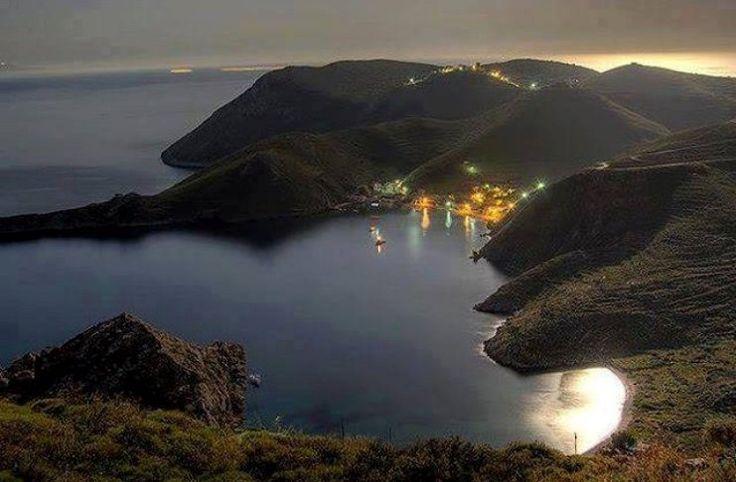 Το «λιμάνι των ορτυκιών»: Το «μαγικό» παραθαλάσσιο χωριό με το πιο γραφικό λιμάνι της Ελλάδας