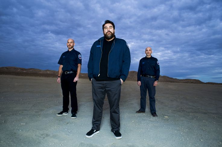 """We recently had the pleasure of getting to know the wildly imaginative Space Rock trio \'mēk\ through their vivacious debut album, """"Red Sprite Lightening"""". Based out of Corona, California, \'mēk\ was founded by Tye Zamora (of Alien Ant Farm fame) with the help of brothers Joe Hill (formerly in Alien Ant Farm and Spiderworks) and …"""