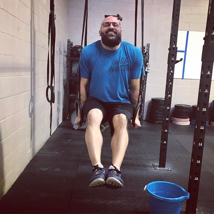 Coach Ross demonstrating that perfect L-sit on the rings. #saycheeeesse #fitfam #solonohio #skillwork #gymnastics #crossfit #ironoakfitness