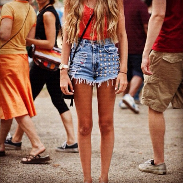 i want these shorts. soo. bad.: Mermaids Hair, Summer Outfit, Festivals Style, Indie Fashion, Summer Style, Long Hair, Festivals Hair, Concerts Outfit, Music Festivals