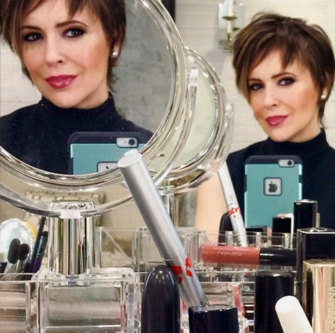 Alyssa Milano is giving us some serious Charmed vibes with her new cut.