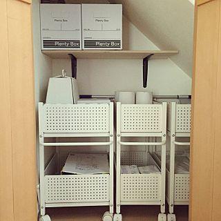 廊下の収納のインテリア実例 | RoomClip (ルームクリップ) Entrance/階段下収納/セリア/収納ラック/山善/廊下の収納