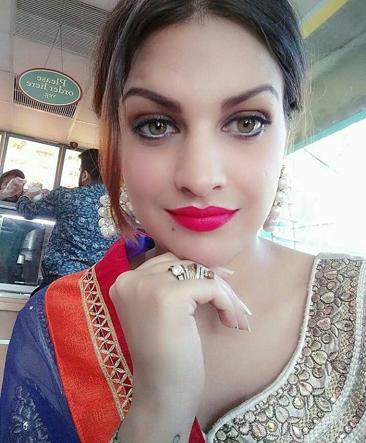 Harish Verma Gurshabad Selfie New Song Download: 13 Best Images About Himanshi Khurana On Pinterest
