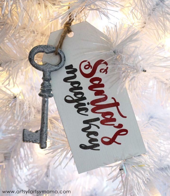 Santa's Magic Key Ornament ... No chimney? No problem!