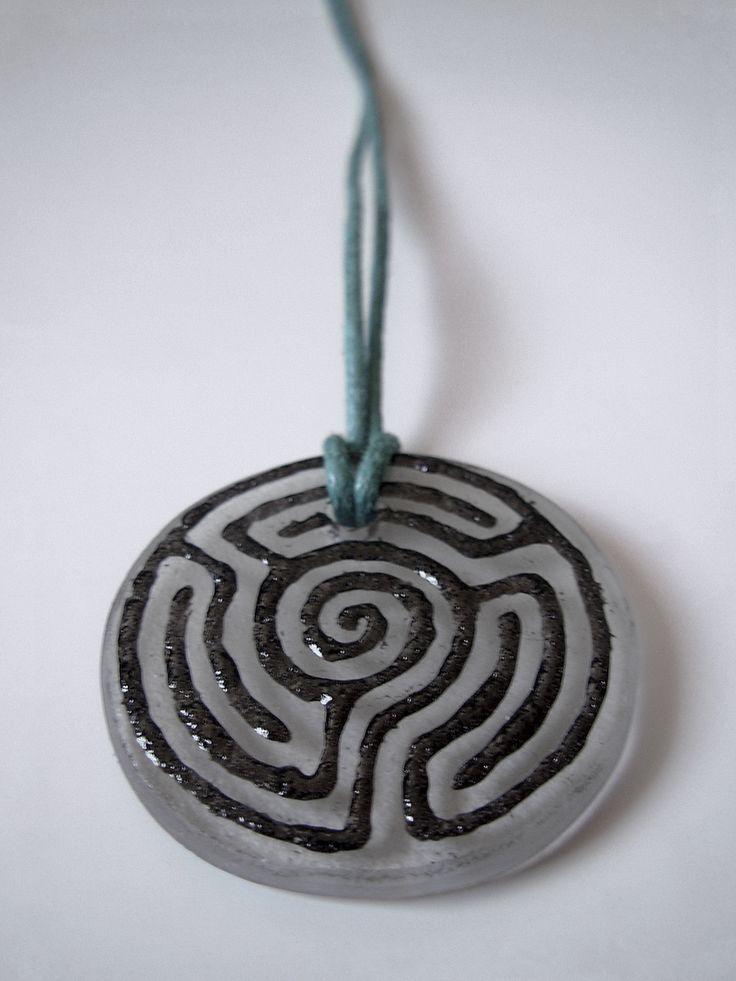 "The glass pendant ""White labyrinth"""