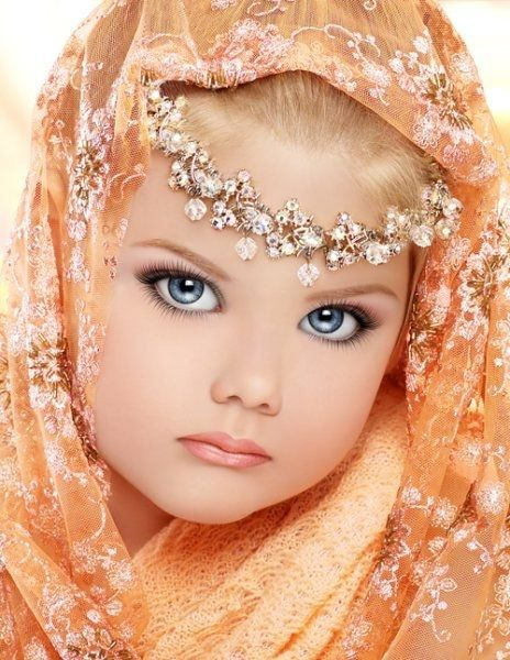 Todlers and tiaras | 29 Creepy Toddlers in Tiaras: Little Miss Sahara Dreams photo Amy ... Ill never make my baby do this!