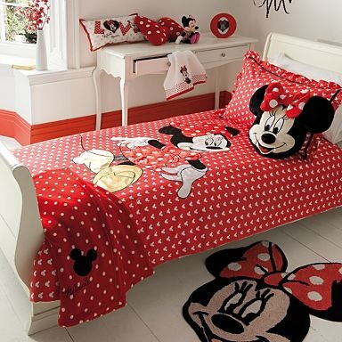 Laynie LOVESSSSSS minni mouse. She already has the bed set, when we move and the girls get their own room her half is gonna be mini mouse. some cute ideas on this!