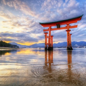 Miyajima Island, Japan    Itsukushima Tori