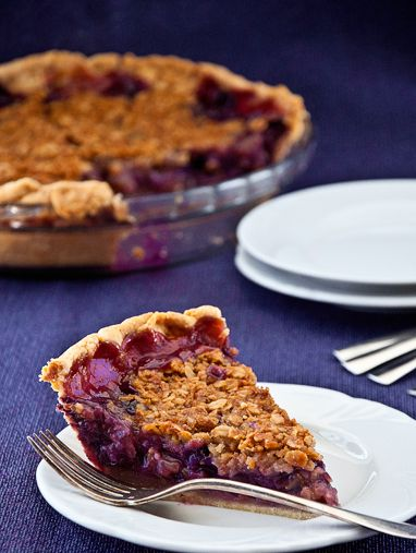 Concord Grape Crumble Pie recipe by My Man's Belly