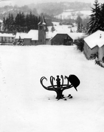 Le chapeau melon 1960 |¤ Robert Doisneau | 29 décembre 2015 | Atelier Robert Doisneau | Site officiel