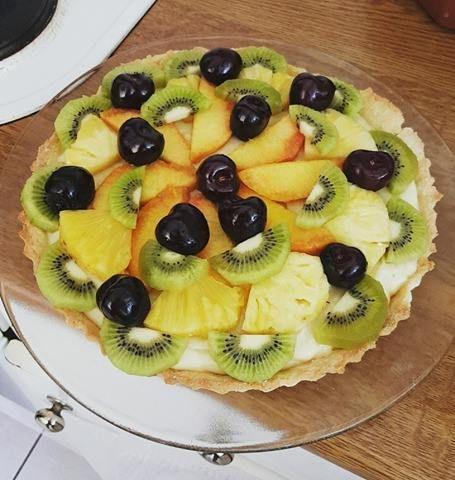 Η Τάρτα με φρούτα και κρέμα βανίλια είναι ένα γλυκό που τρώγεται χειμώνα…