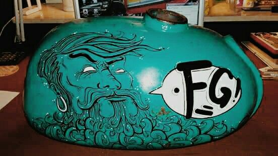 Cafe racer custom tank painting Motocultura7