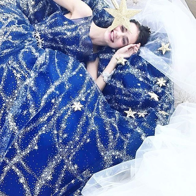 "908 Likes, 4 Comments - Kiyoko Hata (@kiyoko_hata) on Instagram: ""kiyokohata×marry コラボドレス発表しました。 marry編集長、津崎春乃さん@haruno45 の可愛いストーリーからできているドレスです  #weddingdress…"""