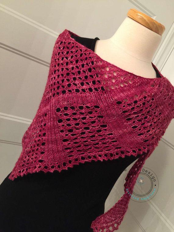 Mini châle en dentelle tricoté à la main dans un par EmmaHDesign