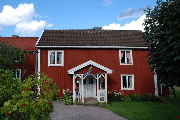 Bullerbyn (Bolderburen) Het dorpje Bullerbyn in Zweden bestaat uit drie boerderijen waar zes kinderen en hun ouders wonen. http://www.astridsbullerbyn.se/