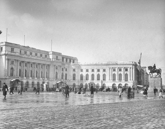 The Royal Palace   1946