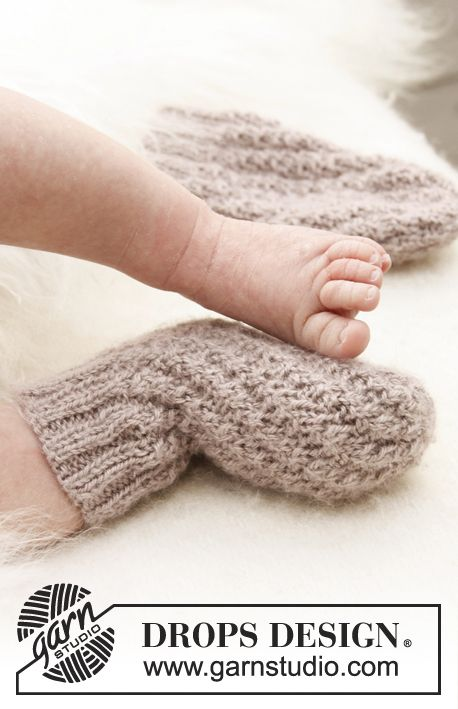 "Easy knitted DROPS tube socks in ""BabyAlpaca Silk"". ~ #DROPSDesign #knitting"