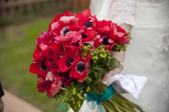 Poppy Red And Mint Green Wedding Bouquet | DIY Poppy and Ranunculus bouquets : wedding anemone black bouquet ...