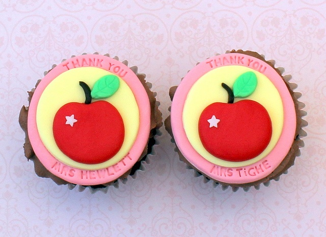 Cake Decorating Gifts Uk : 17 best images about Teacher Thank You Ideas on Pinterest ...