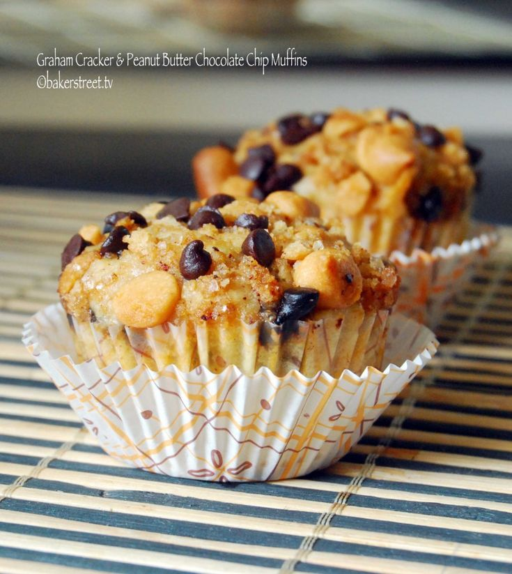 Graham Cracker and Peanut Butter Chocolate Chip Muffins from bakerstreetRecipe Boxes, Peanuts, Chocolate Chips, Butter Chocolates, Chocolate Chip Muffins, Graham Crackers, Chocolates Chips Muffins, Peanut Butter, Muffins Recipe